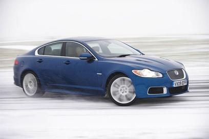 Тест шипованной зимней резины: новинки для легковых автомобилей